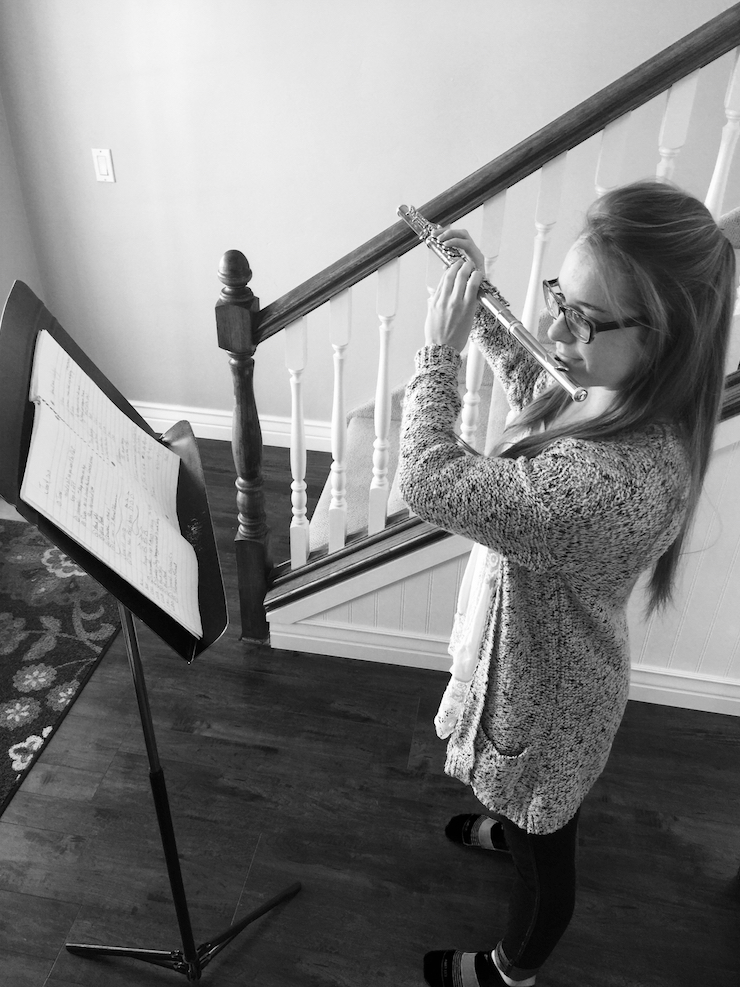 How to use a music stand for flutists